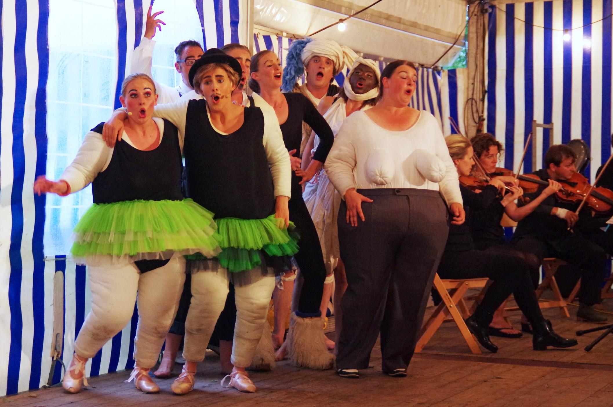 Opera Nijetrijne in de tent 2014