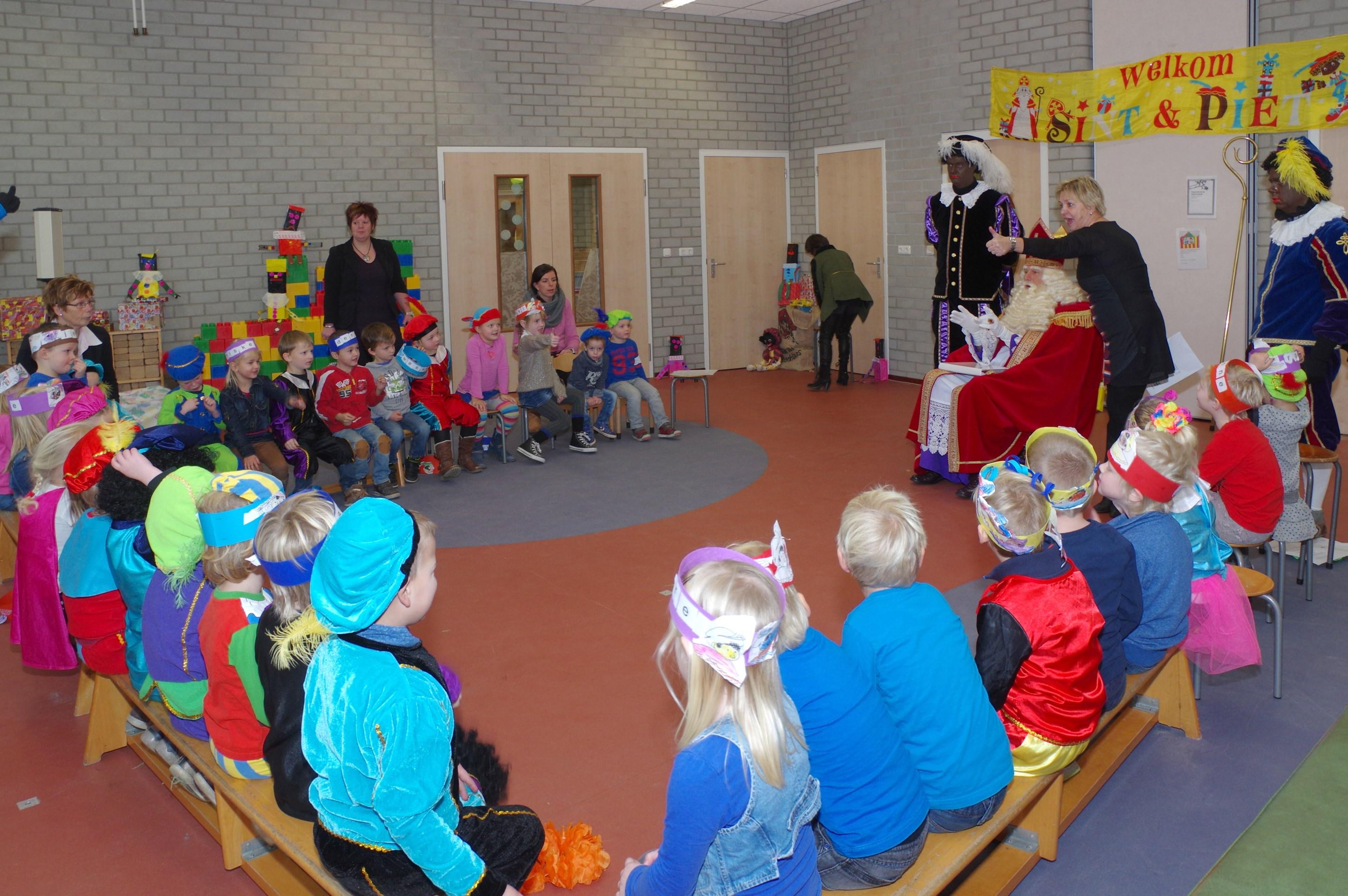 Sint op school Aventurijn 2014