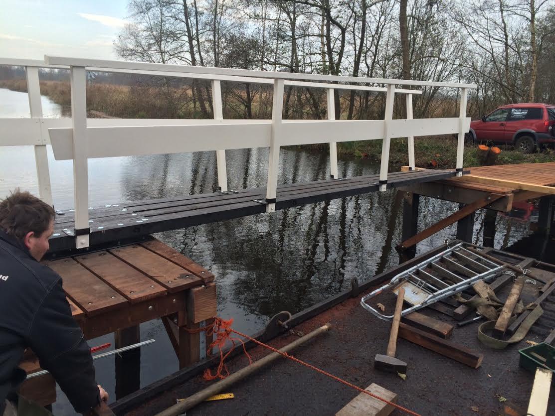 Nieuwe brug over de Scheene