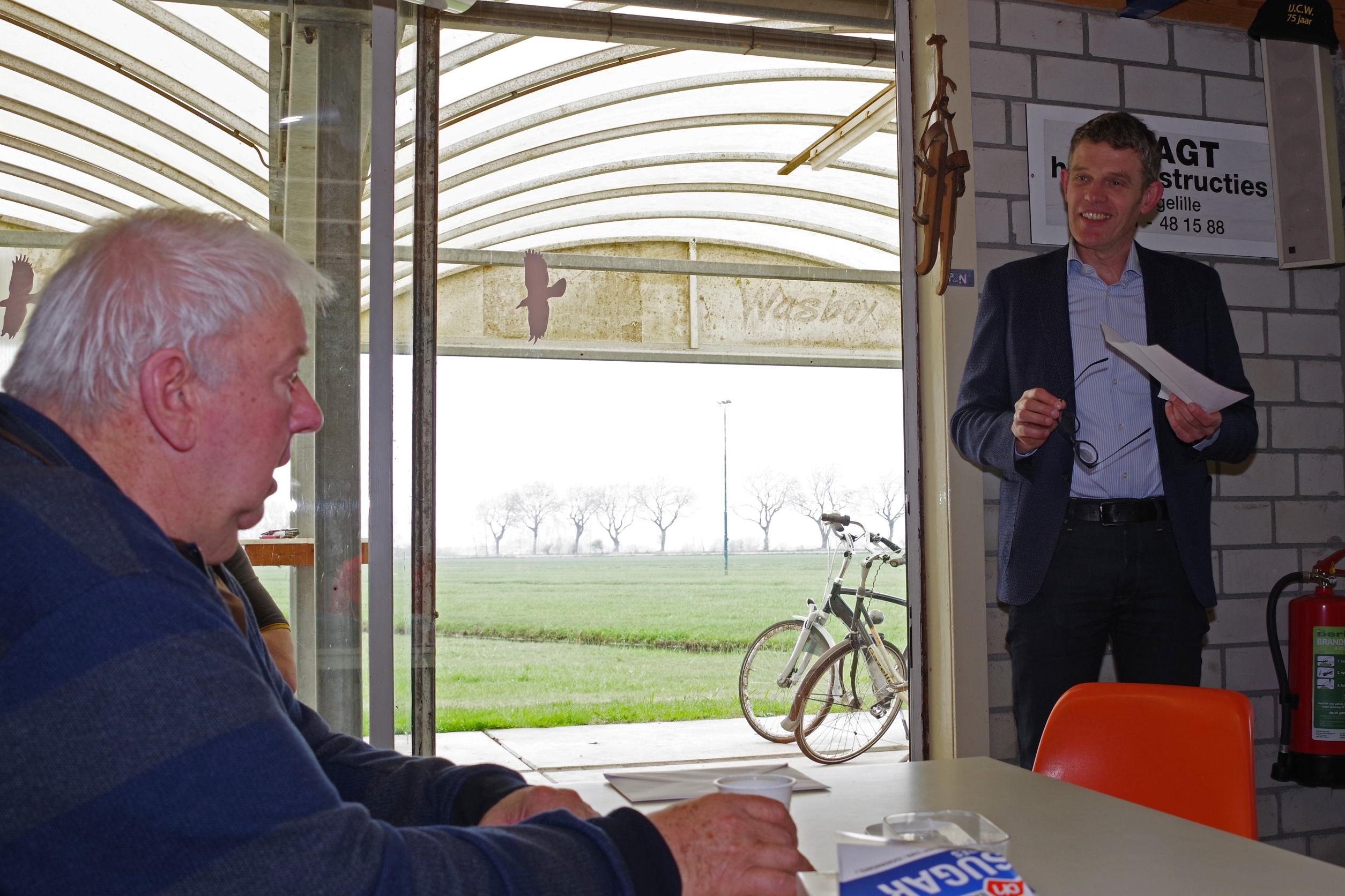 Harry Oosterhuis 40 jaar voorzitter